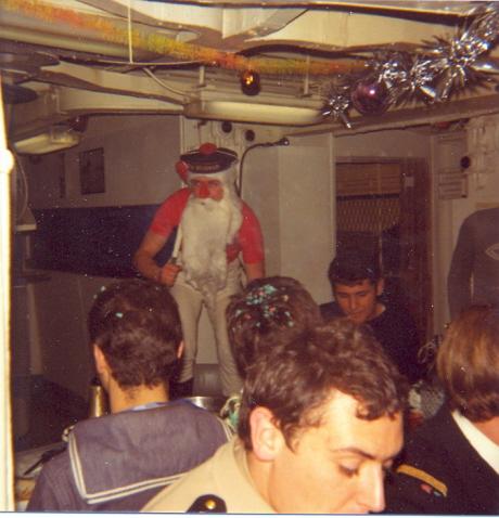 [Les traditions dans la Marine] JOYEUSES FÊTES... A BORD 0712121132571507290
