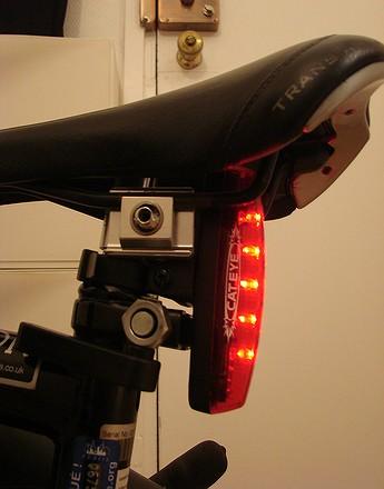 Lampe arrière à pile / à batterie 071218091722142181527328