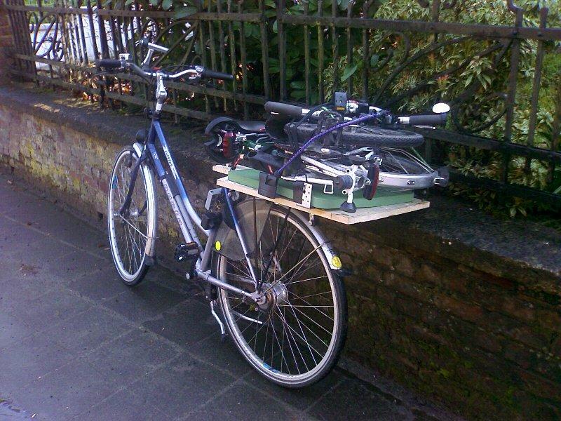Vends 2 vélos ville et VTC mixtes - pour papa / maman 080406024452263591914198