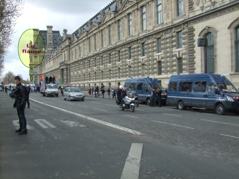 La Flamme traverse Paris......... 080414103234142181948870