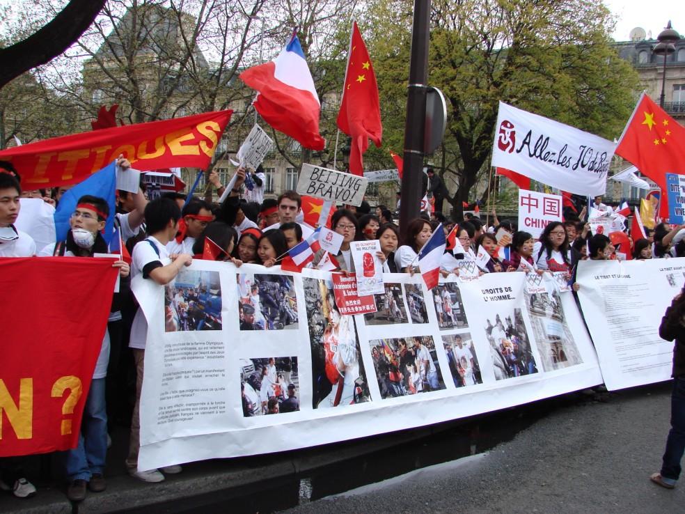 Les Chinois envisagent un boycott des produits français... - Page 2 080419095834142181968834