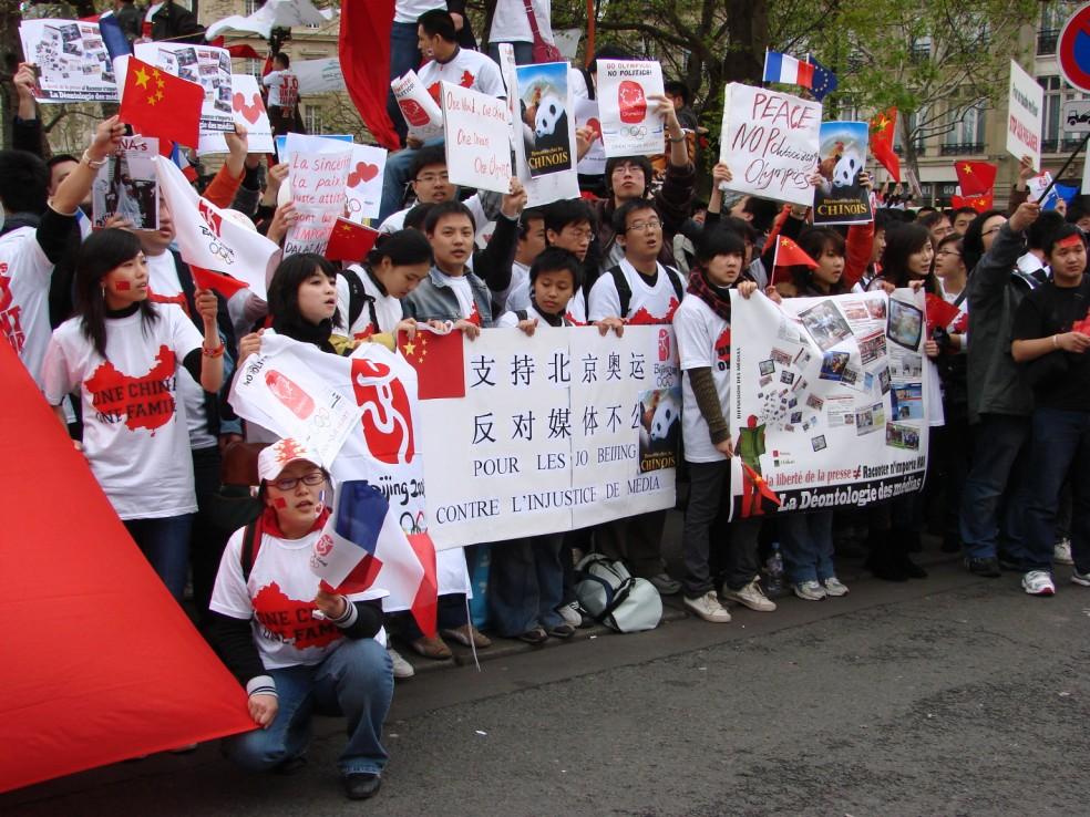 Les Chinois envisagent un boycott des produits français... - Page 2 080419100013142181968841