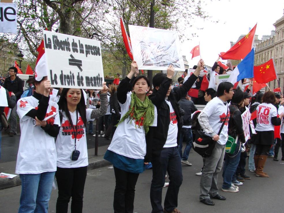 Les Chinois envisagent un boycott des produits français... - Page 2 080419100329142181968854