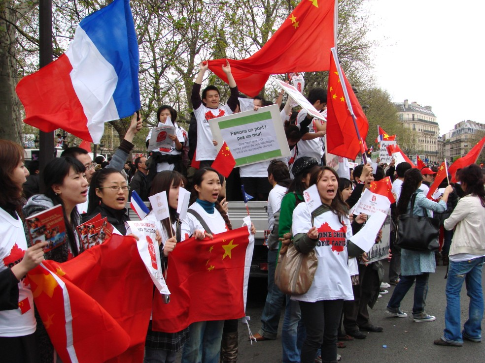 Les Chinois envisagent un boycott des produits français... - Page 2 080419100740142181968880