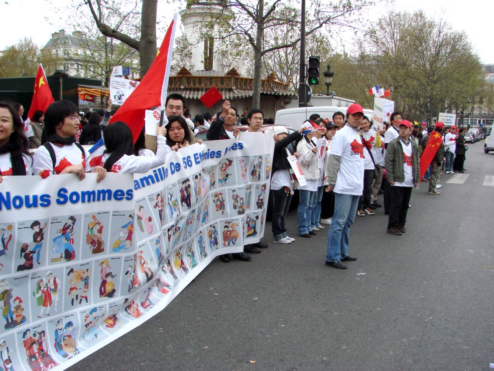 Les Chinois envisagent un boycott des produits français... - Page 2 080419101508142181968913
