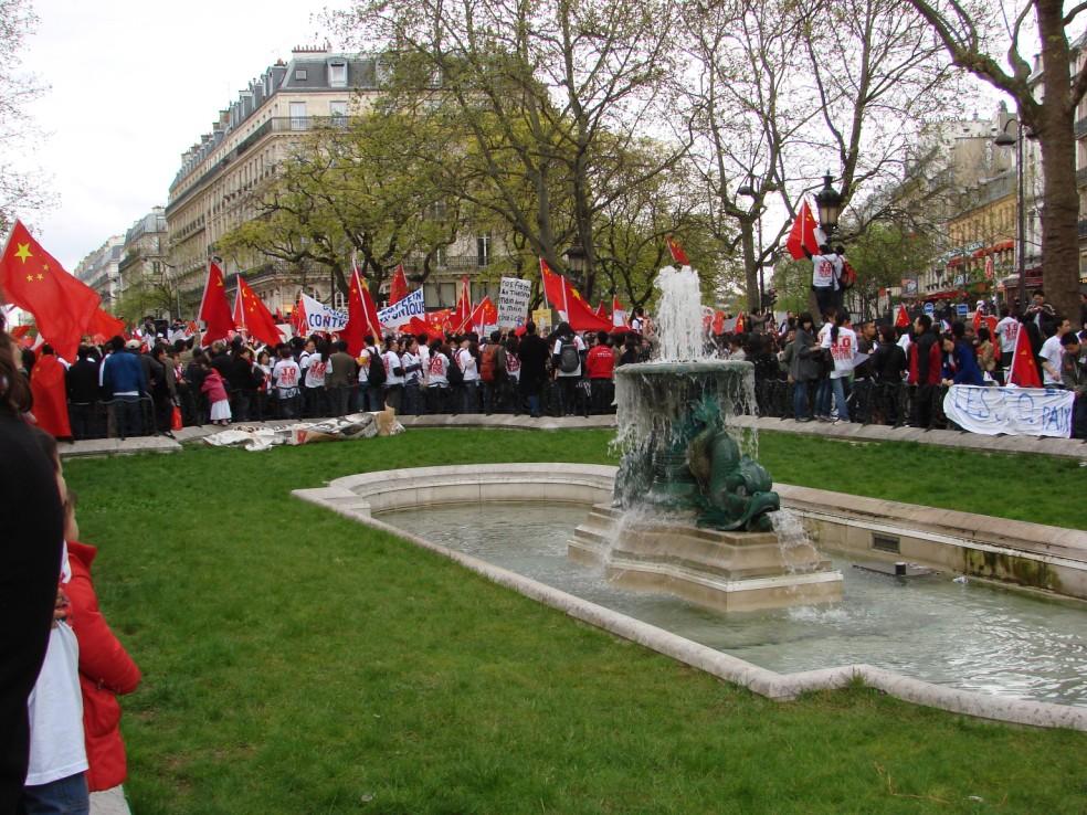 Les Chinois envisagent un boycott des produits français... - Page 2 080419101641142181968920