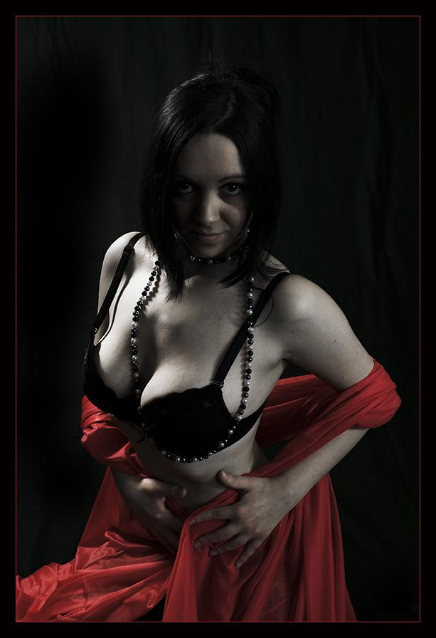 noir et rouge ... - Page 4 08081212535696142370708