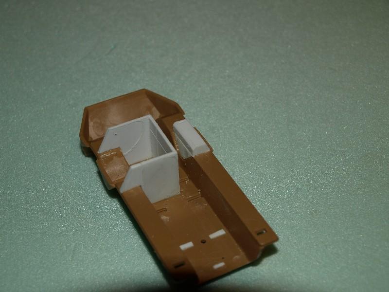 VAB 4x4  [HELLER 1/72]  ---  Montage terminé 081216033615496172882253