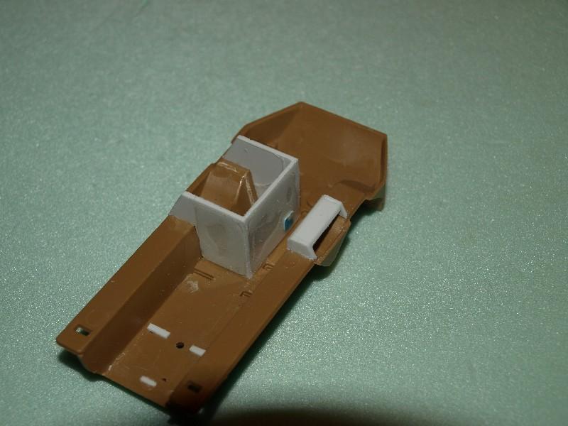 VAB 4x4  [HELLER 1/72]  ---  Montage terminé 081216033655496172882255