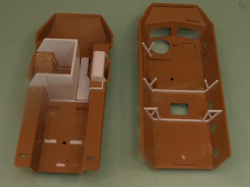 VAB 4x4  [HELLER 1/72]  ---  Montage terminé 081222023525496172905458