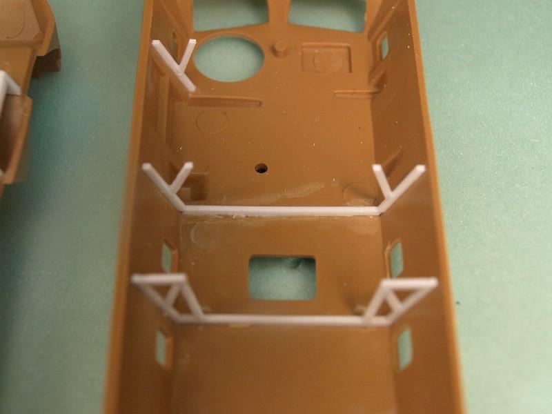 VAB 4x4  [HELLER 1/72]  ---  Montage terminé 081222023548496172905459