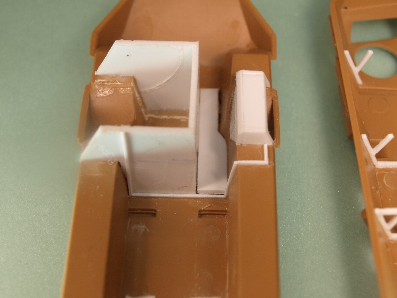 VAB 4x4  [HELLER 1/72]  ---  Montage terminé 081222023626496172905460