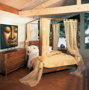 poutres vernies ou peintes en blanc et maintenant mes rideaux svp. Black Bedroom Furniture Sets. Home Design Ideas