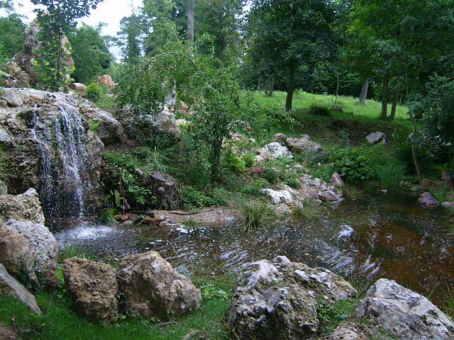 Une cascade, le bruit de l\'eau, nos sens en eveille 090126084303468093058377