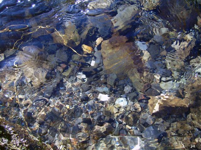 Une cascade, le bruit de l\'eau, nos sens en eveille 090126105042468093059122
