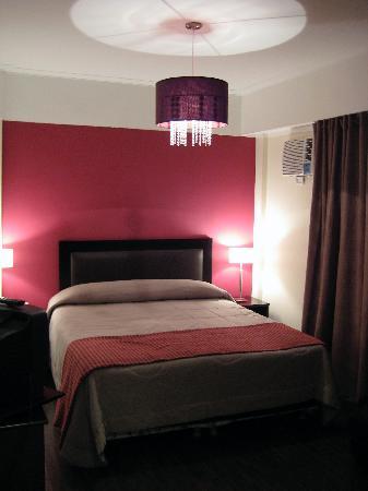 Chambre rose et noire léopard. 090131120517506173079469