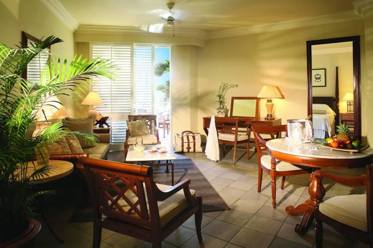 relooker ma pi ce vivre entr e salon salle manger. Black Bedroom Furniture Sets. Home Design Ideas