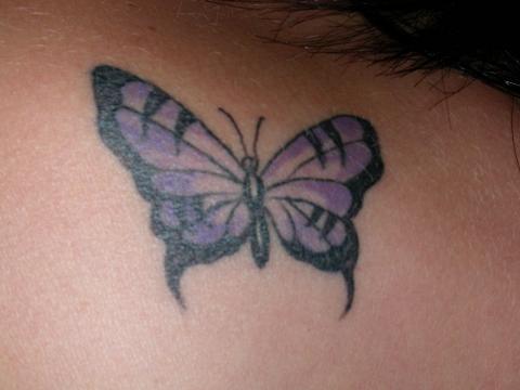 tattoo papillon. papillon simple tatouage