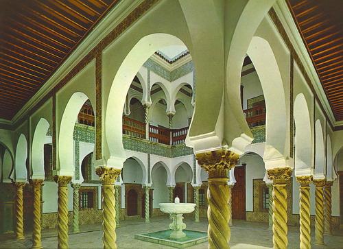 العاصمة الجزائريـــة 090222031850520633195026