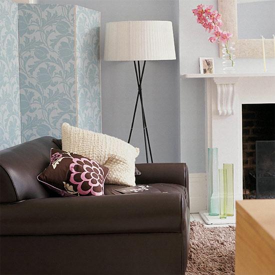 Qelle couleur avec un canapé bleu dur, 090312063252506173304458