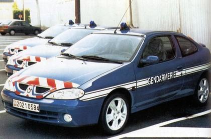 Quelques véhicules d'exception de la Gendarmerie 090324085006537573366108