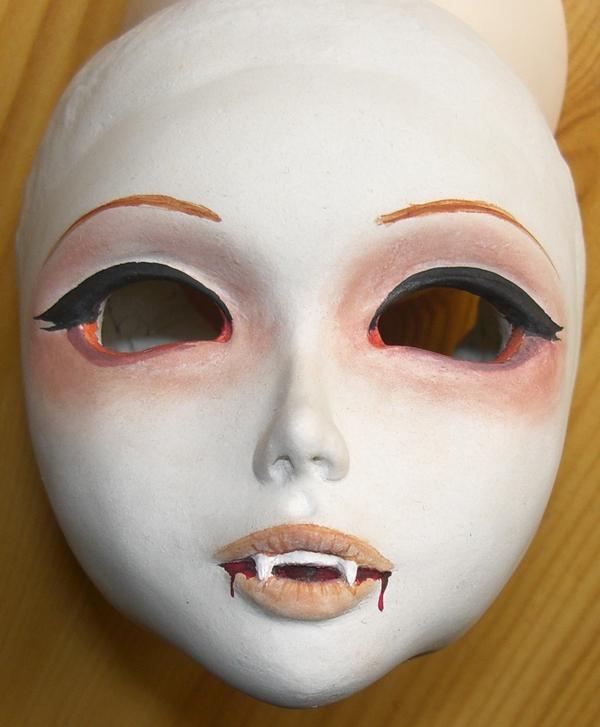Lucy vampire de Mylenium 090331014946583863403429