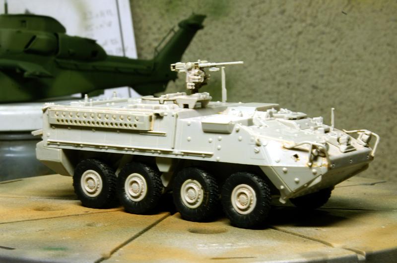 M1126 STRYCKER [ACADEMY] M1126 STRYKER ICV [TRUMPETER] 090402084211492893416825