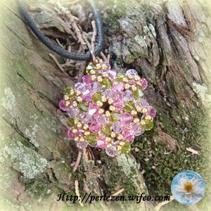 pendentif 7 fleurs