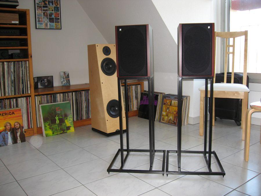 pieds pour enceintes synth se haute fid lit. Black Bedroom Furniture Sets. Home Design Ideas
