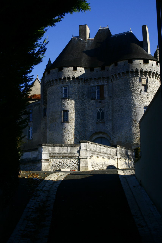 viree08 ECT - a Barbezieux 16 chateau 7367