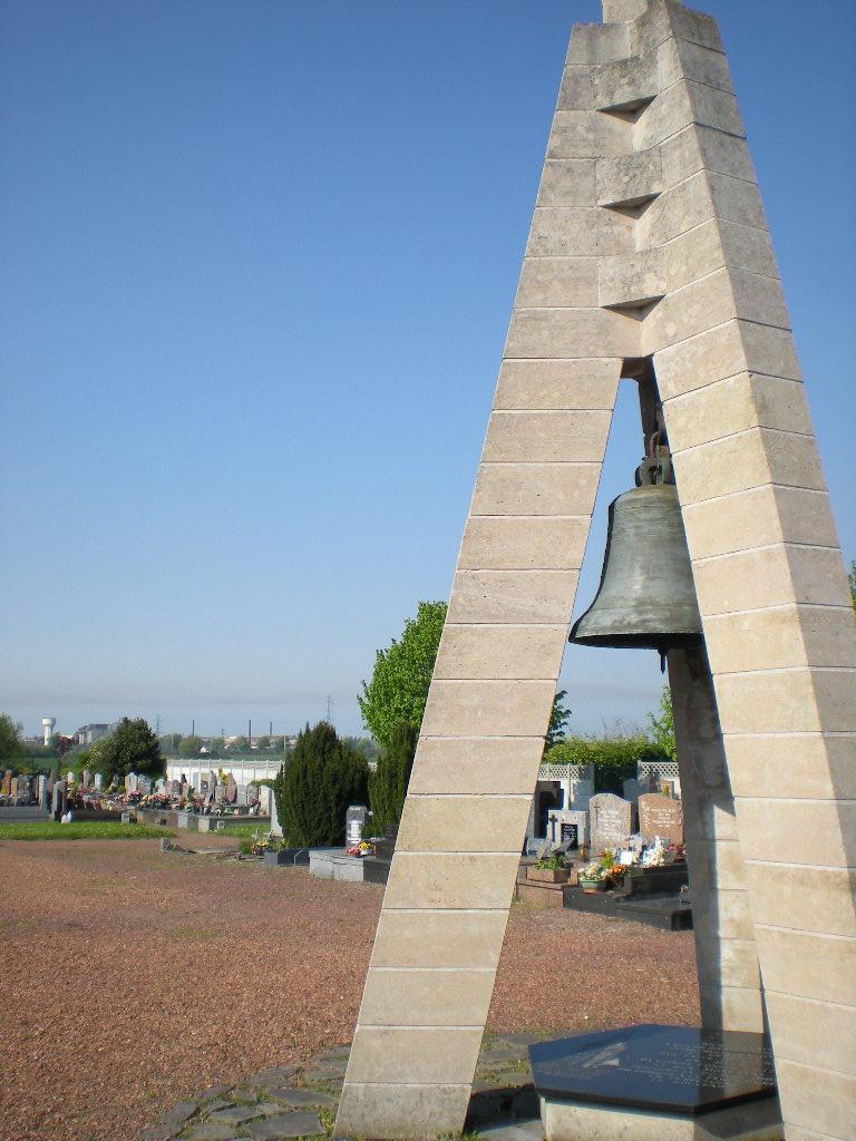 Verdwenen kerken van Frans-Vlaanderen 090502103349440053587484