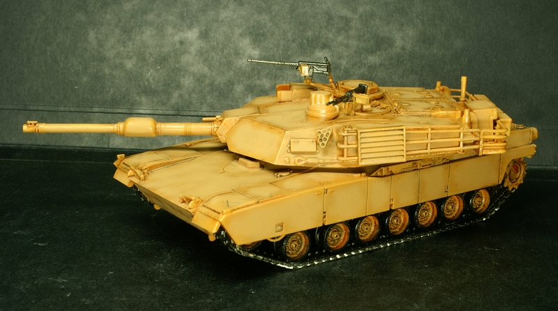 [Revell] Abrams M1A2 1/72 090504100132657403600993