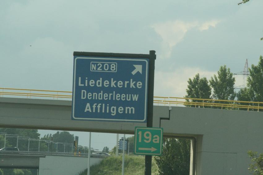 FCV Dender EH - R.Charleroi.S.C. [Photos] 1-2 090516115753533123673738