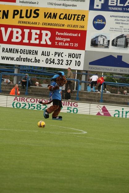 FCV Dender EH - R.Charleroi.S.C. [Photos] 1-2 090516115832533123673741