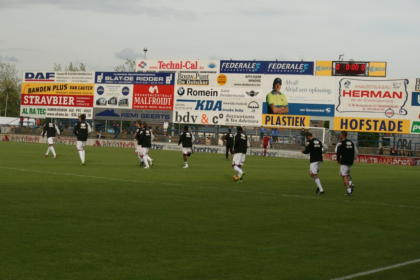 FCV Dender EH - R.Charleroi.S.C. [Photos] 1-2 090516115846533123673743