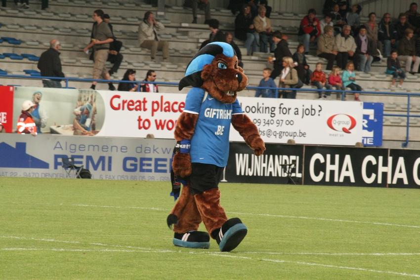 FCV Dender EH - R.Charleroi.S.C. [Photos] 1-2 090517120051533123673763