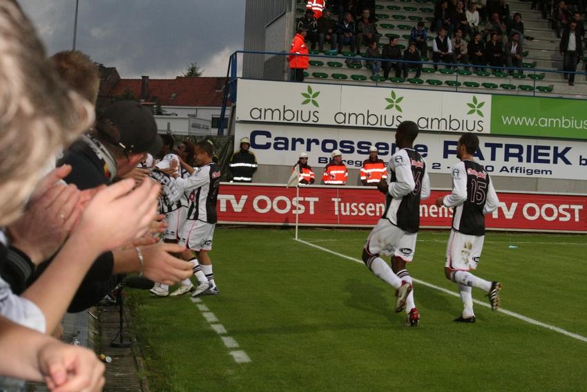 FCV Dender EH - R.Charleroi.S.C. [Photos] 1-2 090517121153533123673828