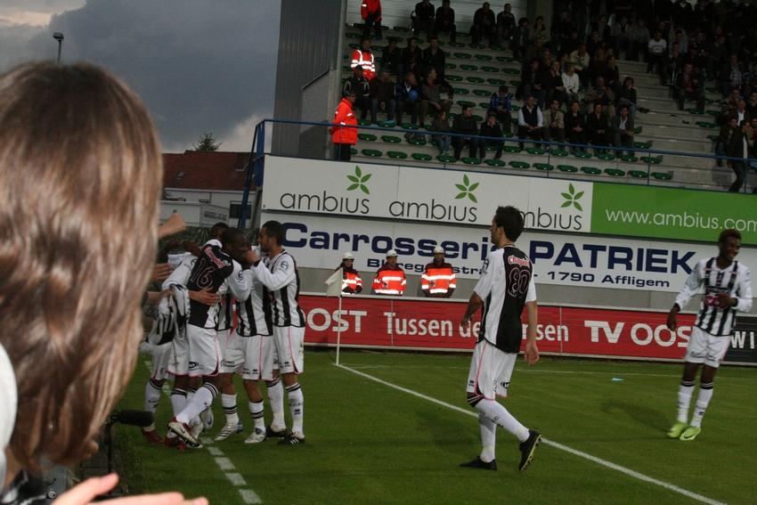 FCV Dender EH - R.Charleroi.S.C. [Photos] 1-2 090517121208533123673829