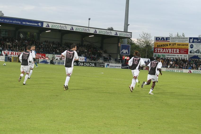 FCV Dender EH - R.Charleroi.S.C. [Photos] 1-2 090517121238533123673832