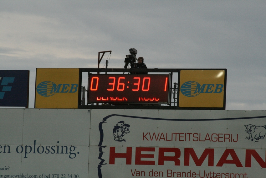 FCV Dender EH - R.Charleroi.S.C. [Photos] 1-2 090517121249533123673833