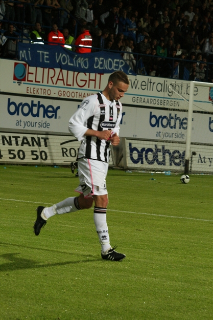 FCV Dender EH - R.Charleroi.S.C. [Photos] 1-2 090517121901533123673950