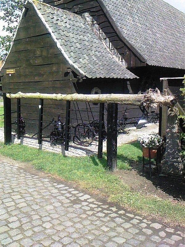 Het Nederlands en het Frans-Vlaams in onze publieke gebouwen. - Pagina 2 090518080549598673685586