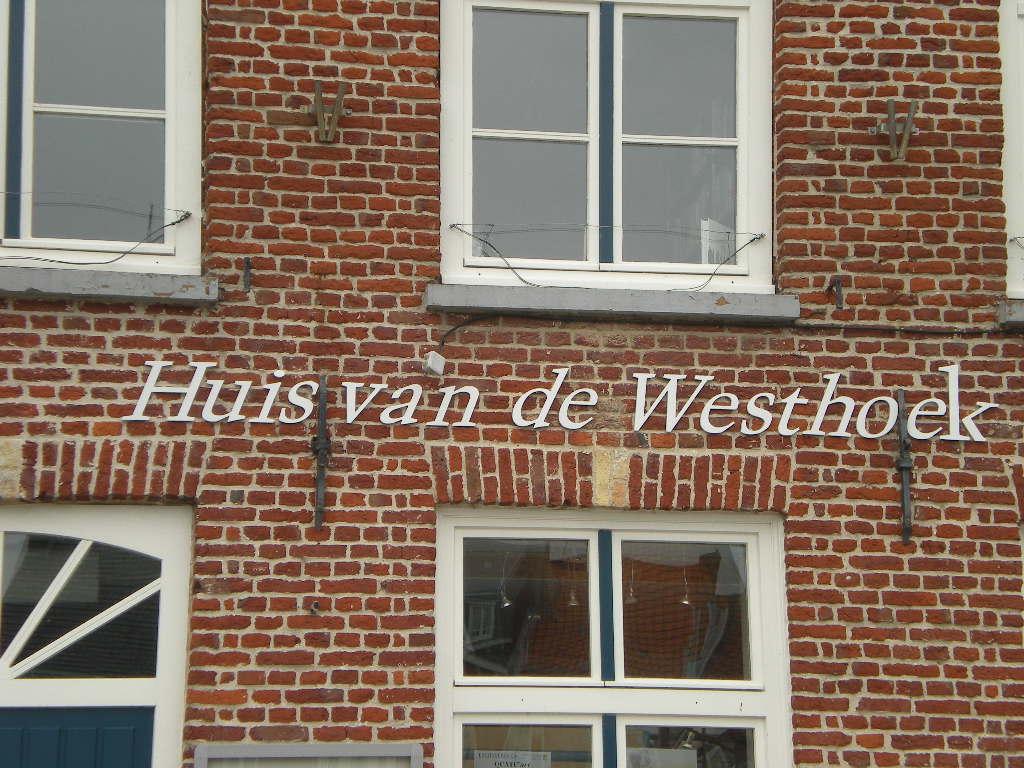 Het Nederlands en het Frans-Vlaams in onze publieke gebouwen. - Pagina 2 090605095207440053810808