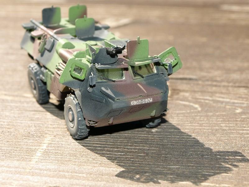 VAB 4x4 infanterie HELLER 1/72 (2°REI) 090612084002496173854974
