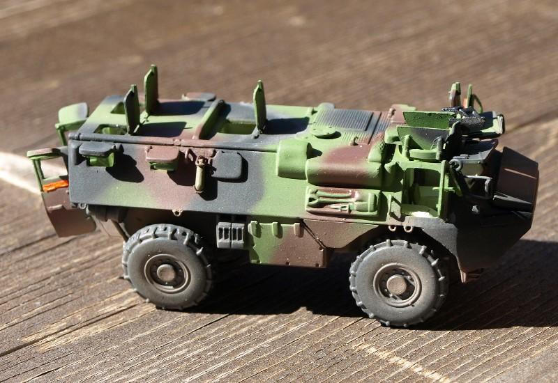 VAB 4x4 infanterie HELLER 1/72 (2°REI) 090612084044496173854979