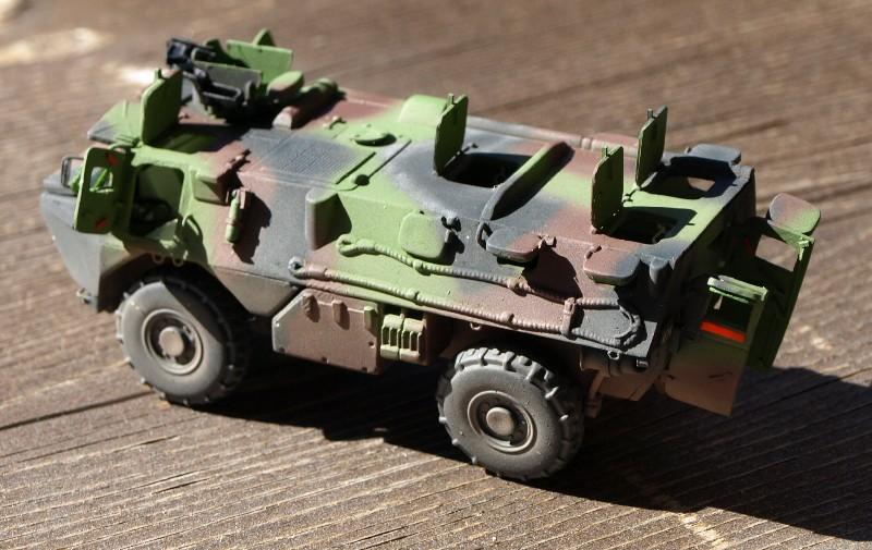 VAB 4x4 infanterie HELLER 1/72 (2°REI) 090612084130496173854985