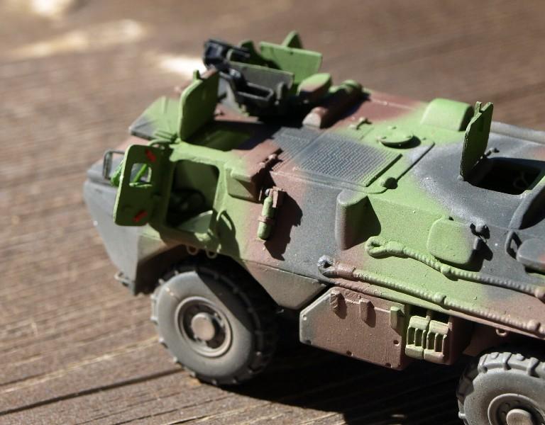 VAB 4x4 infanterie HELLER 1/72 (2°REI) 090612084157496173854989