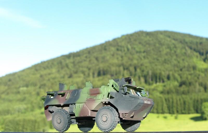 VAB 4x4 infanterie HELLER 1/72 (2°REI) 090612084408496173855003