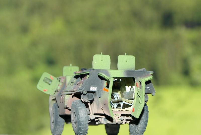 VAB 4x4 infanterie HELLER 1/72 (2°REI) 090612084439496173855005