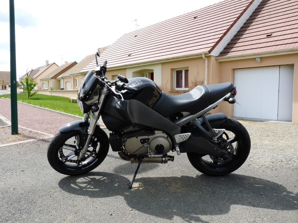 Le XB12Ss black de Syrex 090618103341150443900533